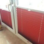 Plisy przeciwsłoneczne czerwone do kuchnii
